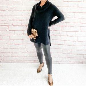 ❄️💕 Loft Black Tunic Cowlneck Sweater - Small
